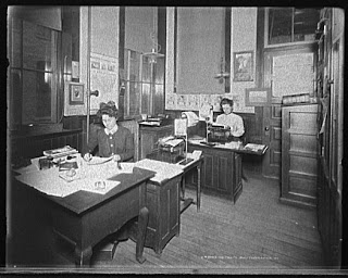 Stenographers Room at Leland & Faulconer, Detroit, ca. 1905