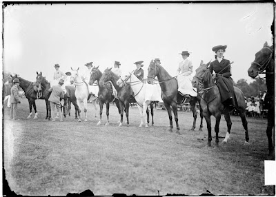 Women on horseback at the Onwentsia Horse Show, Lake Forest, Illinois, 1905