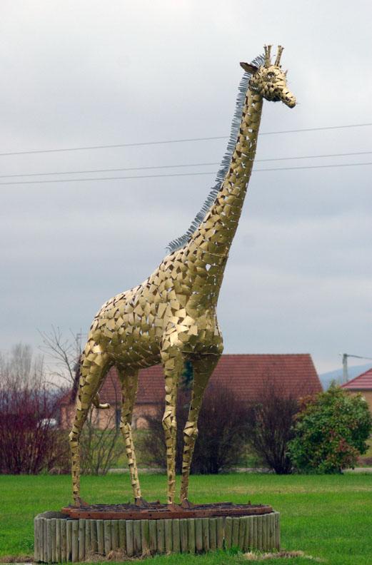 Une girafe géante dans GIRAFE girafe