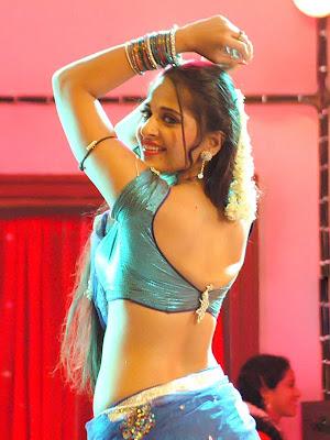 anushka shetty hot telugu prostitute look photos in vedam