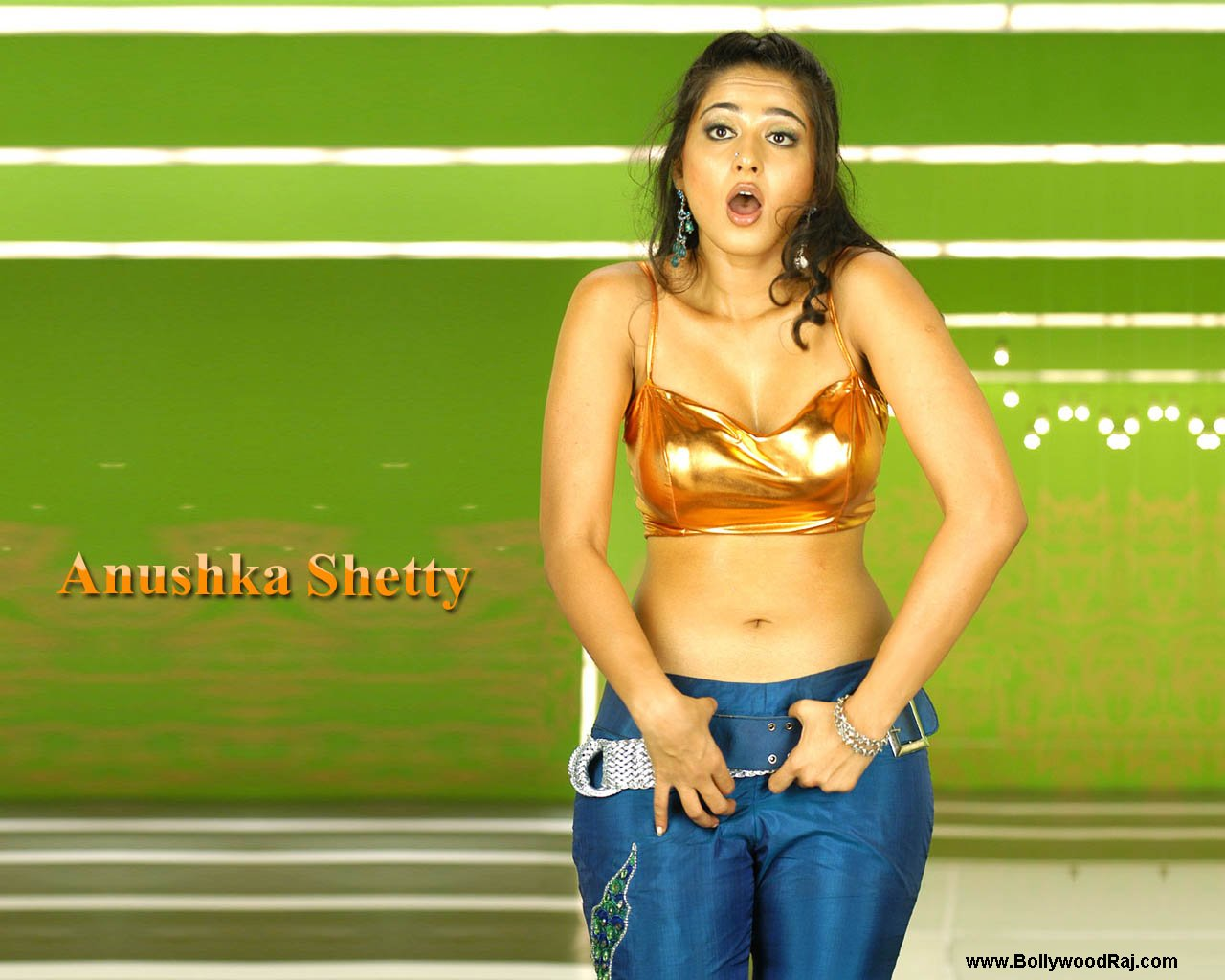[anushka-shetty-navel-wallpapers+(5).jpg]