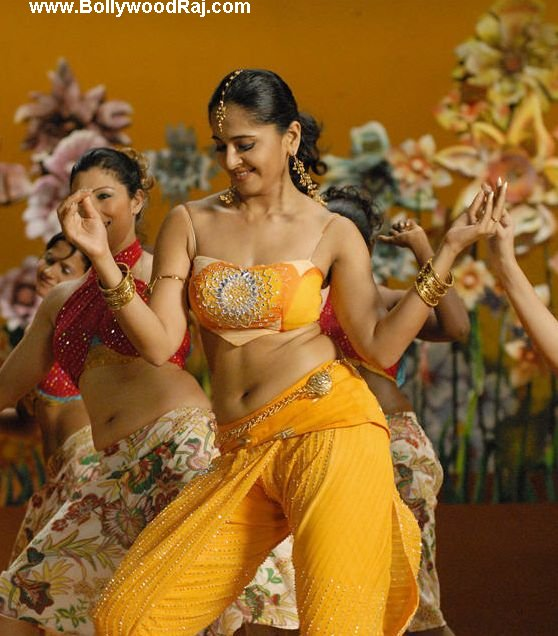 [anushka-shetty-navel-wallpapers+(2).jpg]