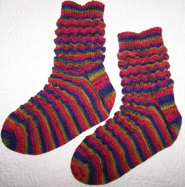 Slouch Socks Knitting Pattern : eweniquely ewe: Latest sox and handspun