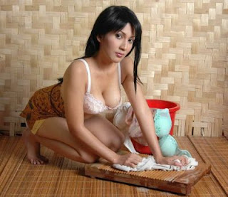 sexy Indonesian maid