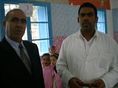 Si Khelifa  de l'administration ,  Et Si Mounir