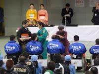 宮様からメダルを頂く京都Aチーム