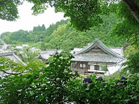 奥の院から途中、本堂周辺と大山崎方面をみる