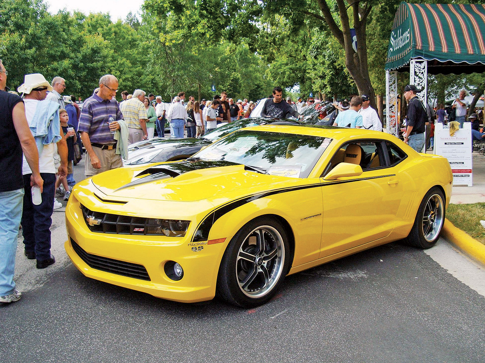 new carz and bikes 2011 chevrolet camaro ss convertible wallpapers. Black Bedroom Furniture Sets. Home Design Ideas