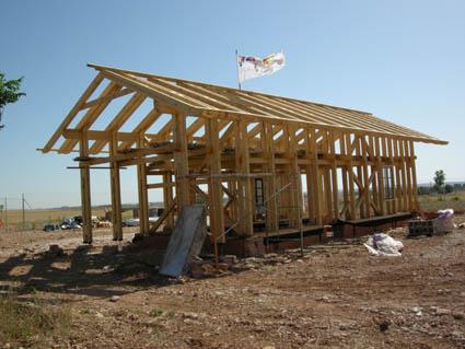 Bioconstrucci n estructura de madera para casa de balas - Casas de estructura de madera ...