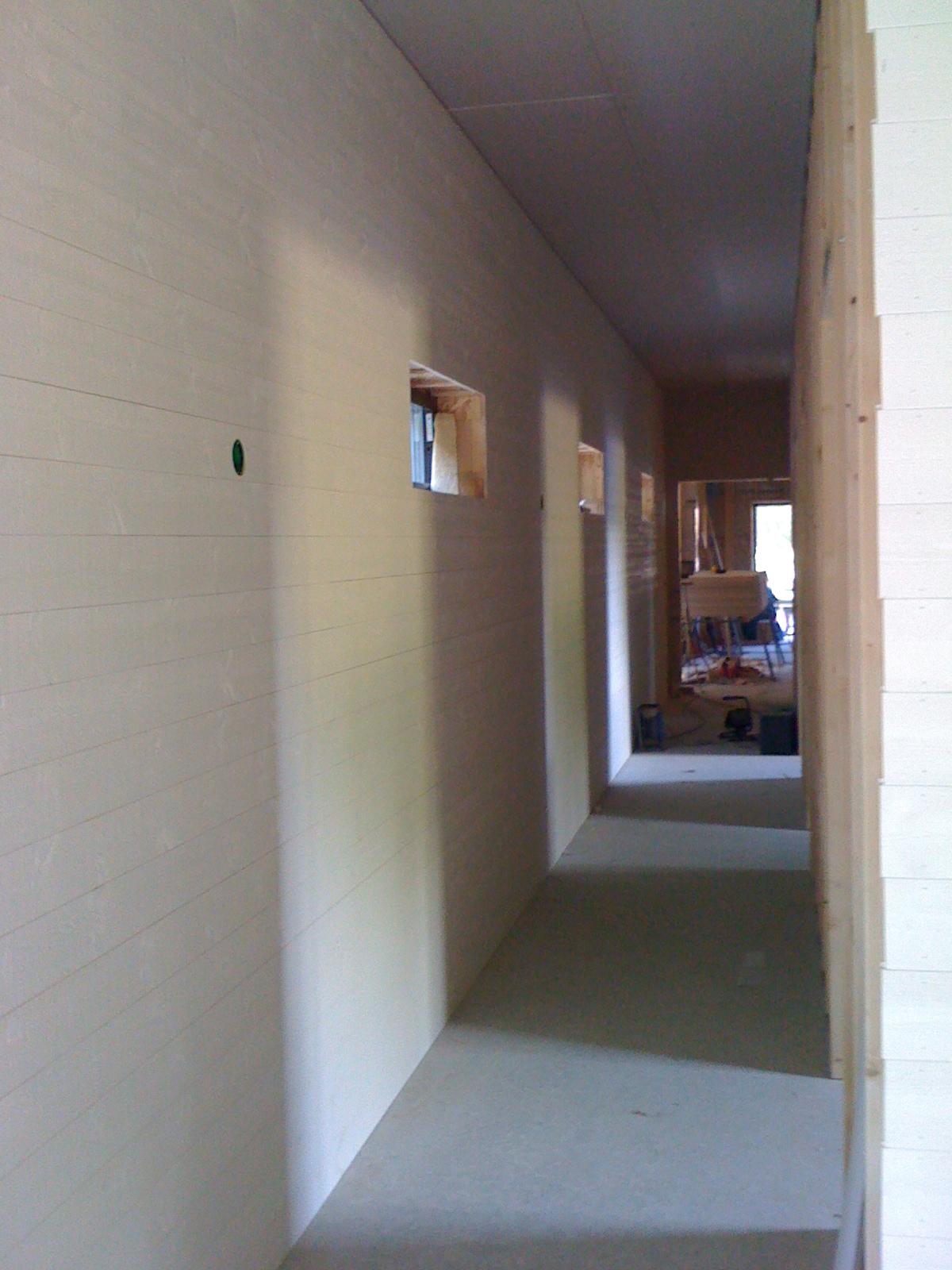 Ullevidsdal: väggar i korridoren, årets sista Änglatrumpet och ...