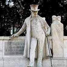 Un monumento da rifare