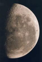 Luna, cea mai apropiata planeta