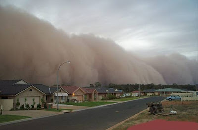 http://4.bp.blogspot.com/_pvRvwG7CXP8/SA7Kz6BkcOI/AAAAAAAAAIg/EDzN96Bzy5E/s400/tsunami.jpg