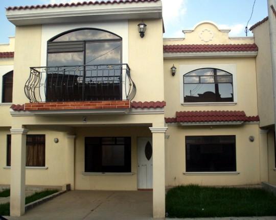 Propiedades de quetzaltenango for Casas modernas guatemala