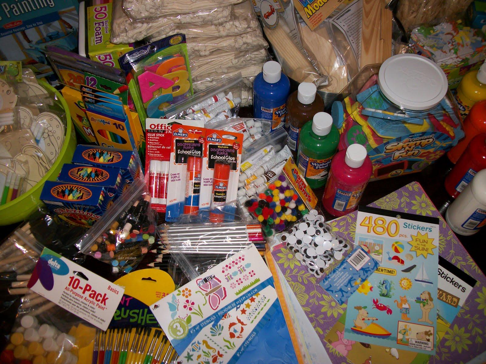http://4.bp.blogspot.com/_pwb5wFhUZDk/TGrLf0BEdoI/AAAAAAAAAlU/-F_rY3aPL8s/s1600/Art+Supplies+016.JPG