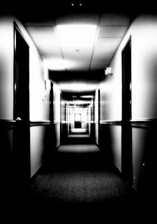 pusty korytarz