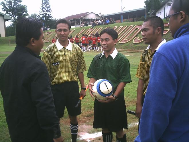 Pengarahan kepada wasit UDINUS Cup 2007