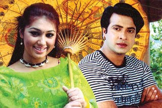 Images of Dallywood King Shakib Khan And Apu Biswas