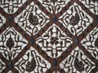 Pakaian Tradisional Indonesia Batik Solo