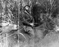 Che Guevara sobre un Mulo en la Selva de Bolivia