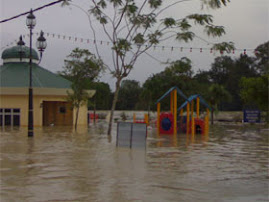 banjir yang telah menenggelamkan salah satu kawasan di Kota Tinggi