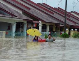 Kawasan taman perumahan yang ditenggelami banjir...