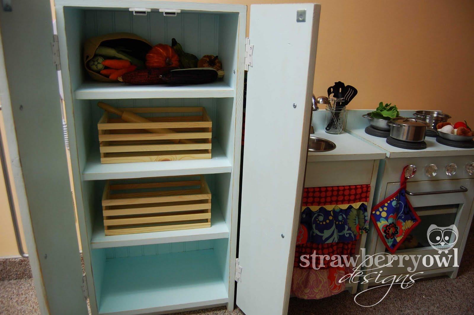 Strawberry owl designs little girls play kitchen for Girls play kitchen