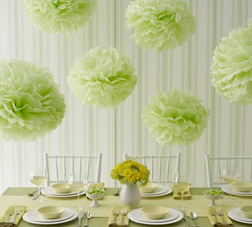 tissue pom poms green