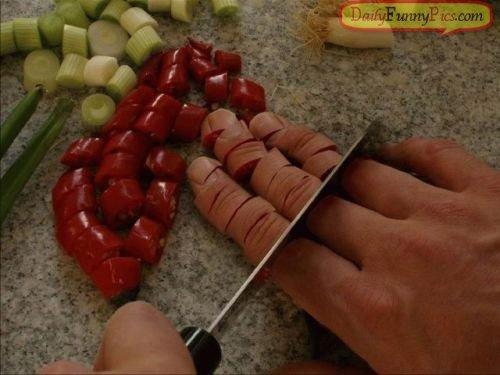 [Image: potong+jari]