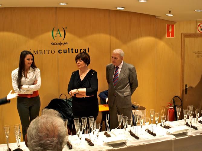 EXPOSICION DEBARBEYTO EN EL CORTE INGLES DE ALICANTE