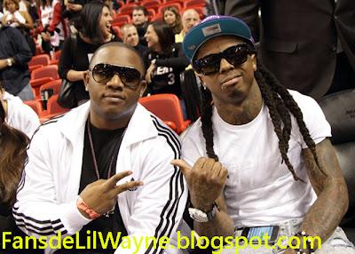 Imagen de Mack Maine y Lil Wayne viendo un partido de la NBA