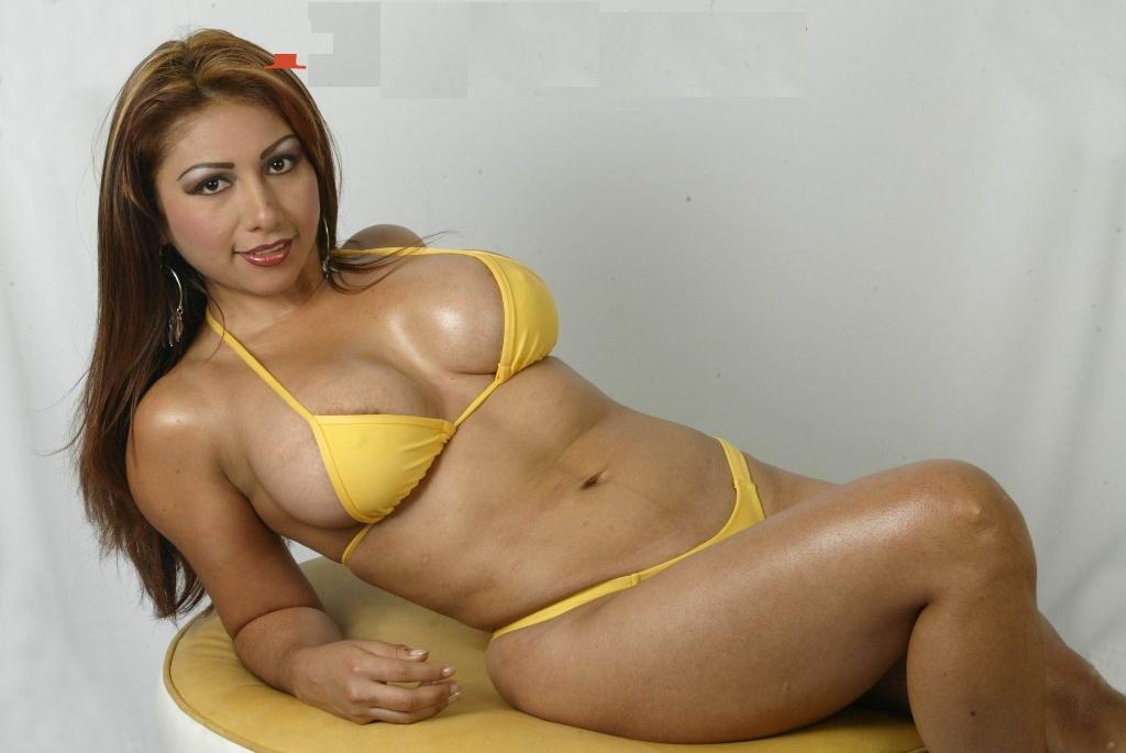 Daysi Araujo Bikini Amarillo