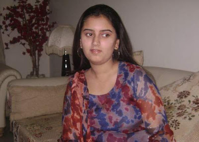 Sindhi Girls http://girlzngirlz.blogspot.com/2009/12/iba-sukkur-girls-sindhi-girls-ktn-girls.html