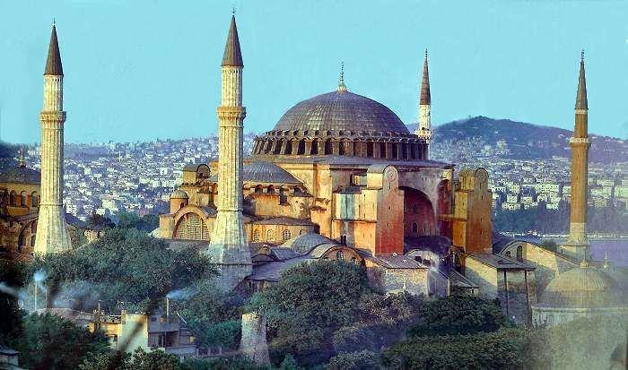 http://4.bp.blogspot.com/_q9mTyzjJ9uQ/TPB63kzJ5SI/AAAAAAAAACU/Ursqw2fvdFI/s1600/Istanbul-Hagia-Sophia.jpg