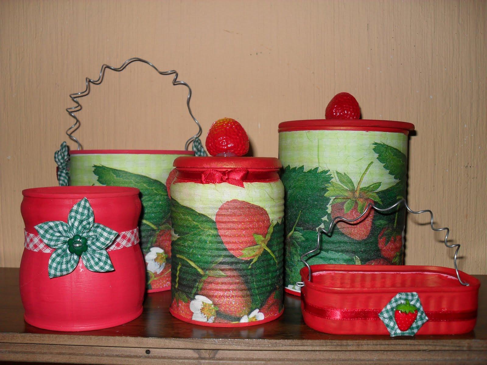 Aparador Suspenso Como Fazer ~ Reciclagem e Arte Artesanato Sustentável por u00b4Maíra Fontoura Reciclando latinhas! Artesanato