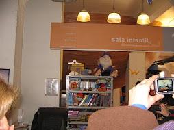 De visita Biblioteca sala infantil.
