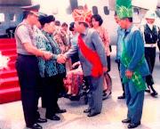 Gus Dur saat berkunjung di Poso