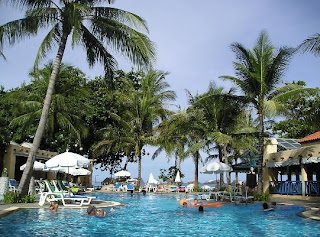 Present the Romantic Pool on Baan Samui Resort