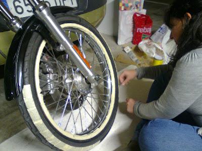 tutorial como pintar banda blanca en ruedas excalibur