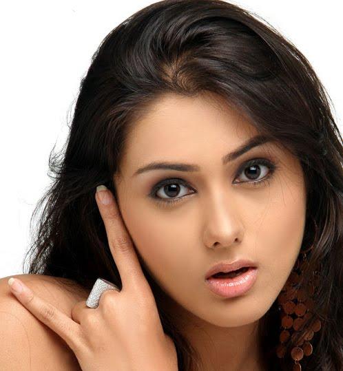 relatif , telah di buktikan oleh Namitha, si artis bollywood india