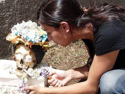 kabar--aneh.blogspot.com - Unik , Peringatan Hari Tengkorak Di Bolivia