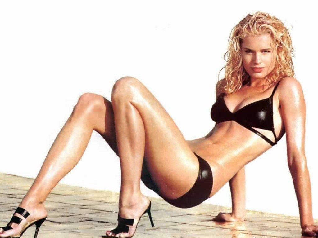 http://4.bp.blogspot.com/_qH1nDo_zS60/SS11CinOswI/AAAAAAAAAWQ/Jb-SGVWbLY8/s1600/Rebecca_Romijn_03.jpg