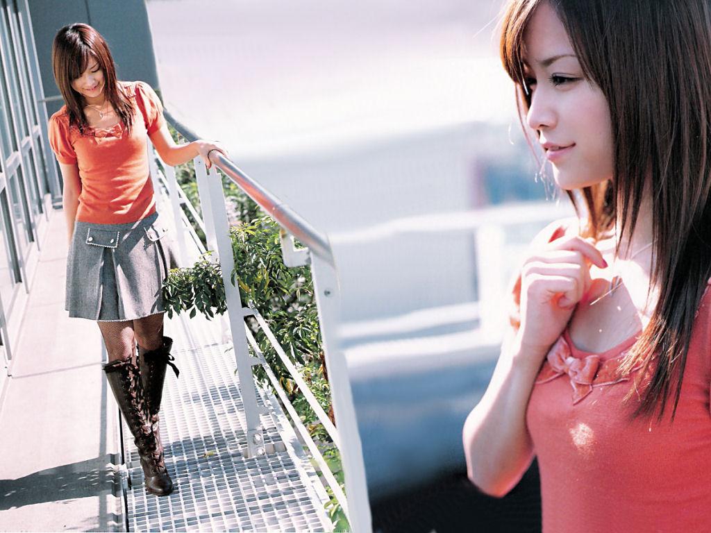 http://4.bp.blogspot.com/_qH1nDo_zS60/SUVPpH4UwGI/AAAAAAAABSA/p2b0f1CmULA/s1600/Eri_Kamei_01.jpg