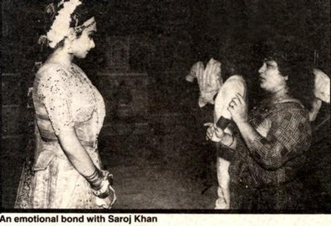 Saroj Khan *Choreografka* 59502_148312358534914_100000684515275_275141_6927117_n