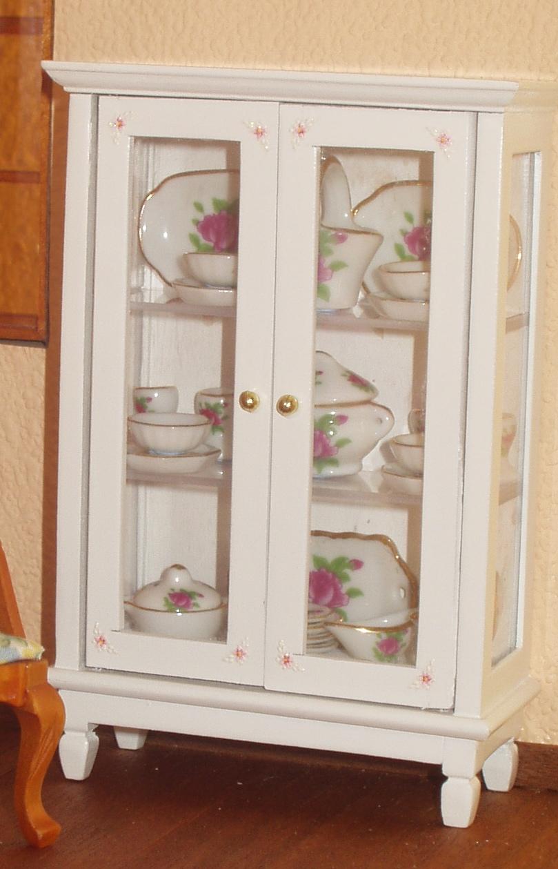 Casitas en miniatura algunos detalles de la nueva casa for Mueble costurero