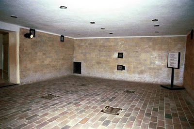 http://4.bp.blogspot.com/_qL5WgzjxRl8/S7FiOfWvX2I/AAAAAAAAATE/nZ1RVyu6-Uk/s1600/Dachau+camara+de+gas.jpg
