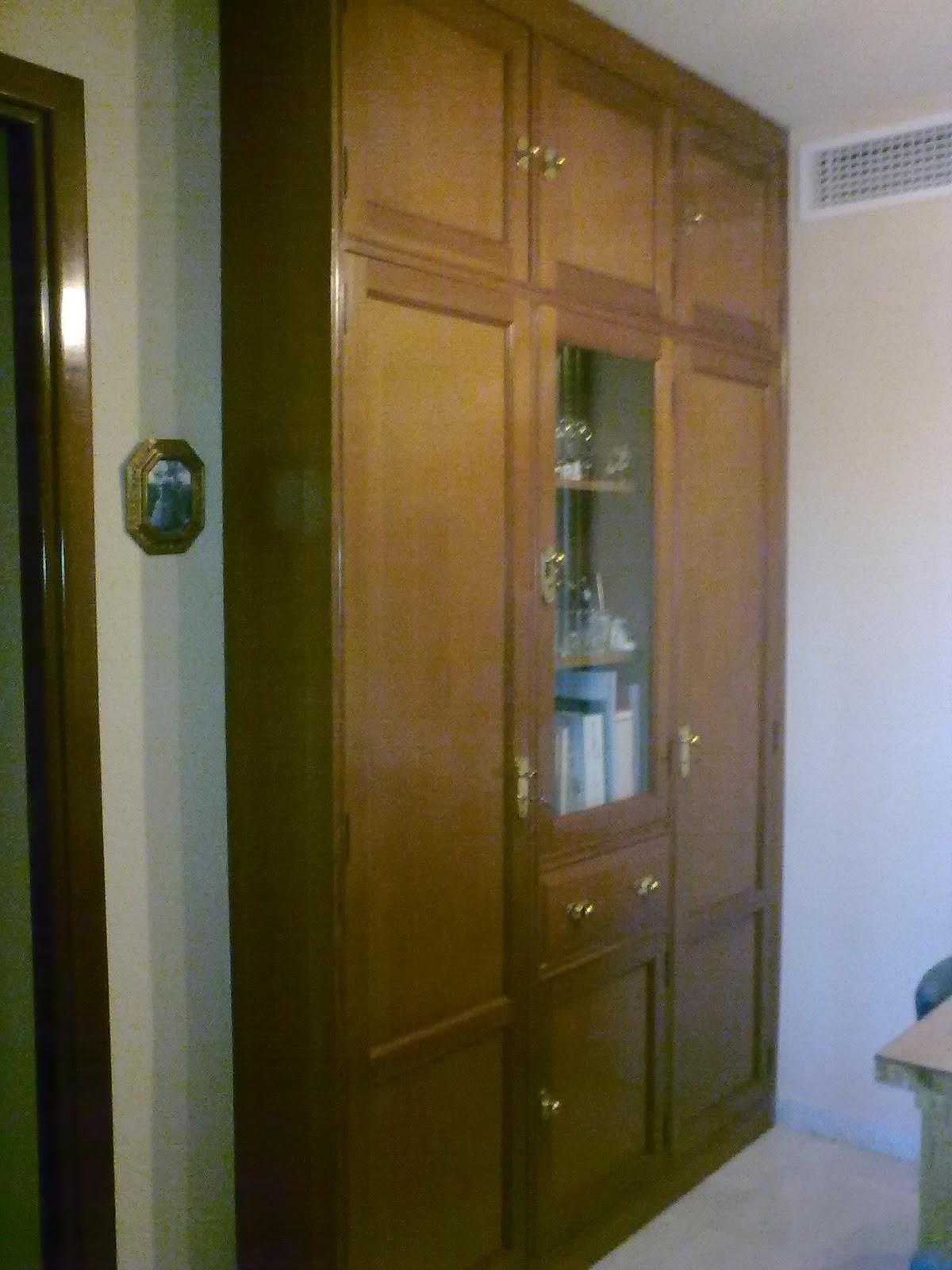 Carpinter a ramos armario recibidor con vitrina - Recibidor con armario ...