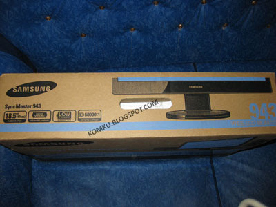 Samsung LCD 943 box top
