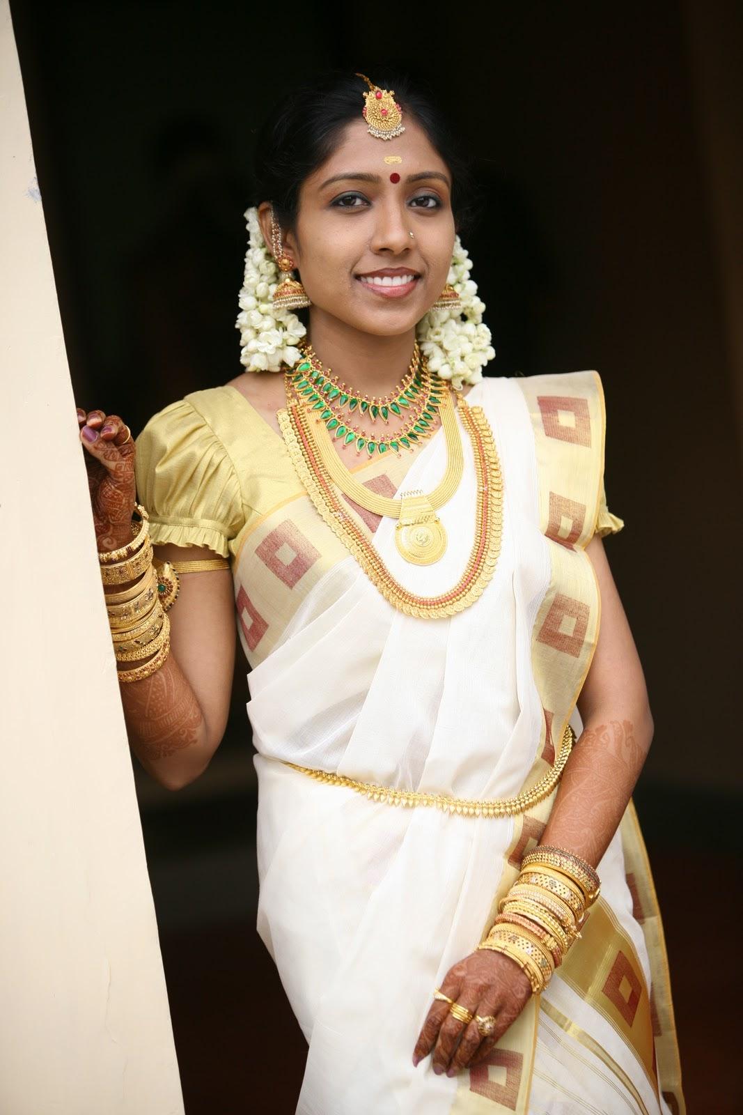 Kerala girls photos gallery sex porn images for Bathroom models in kerala