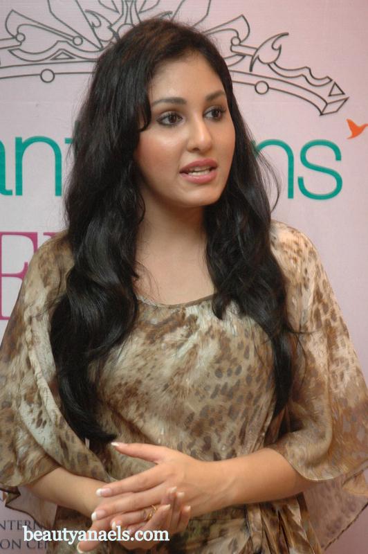 Pooja chopra sexy photo